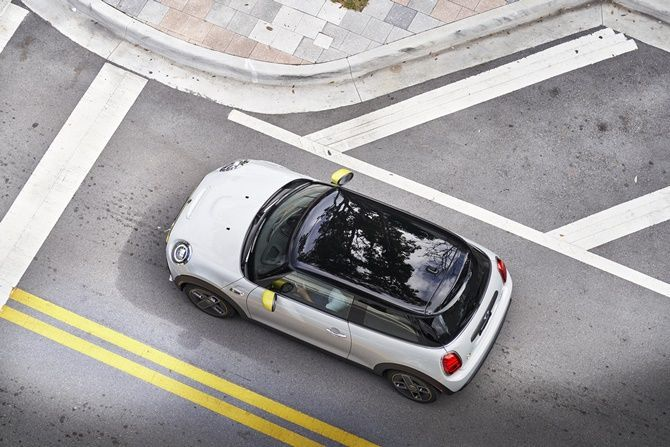 First Drive MINI Cooper SE Realistic Electric Mobility Top Down