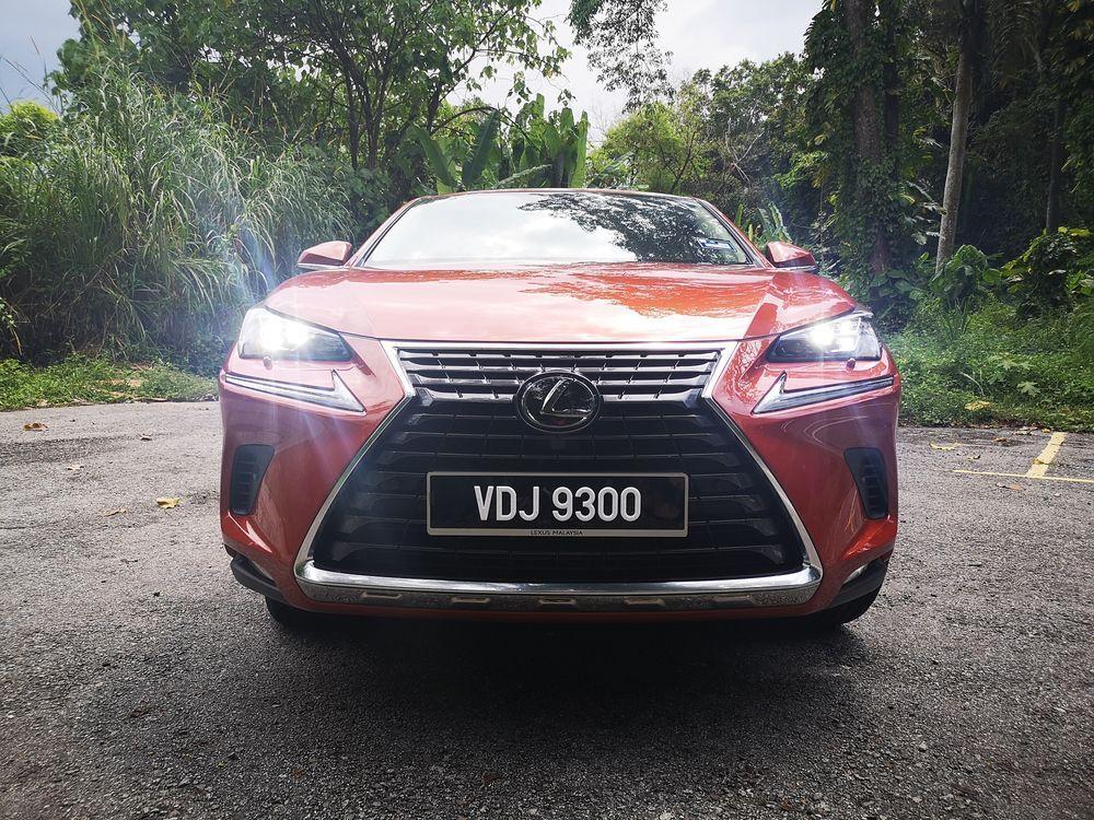Lexus NX300 Premium Front View