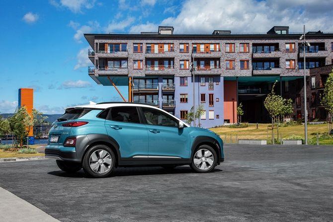Hyundai Kona Meets COMOS The EV Solution We Need Static Side View