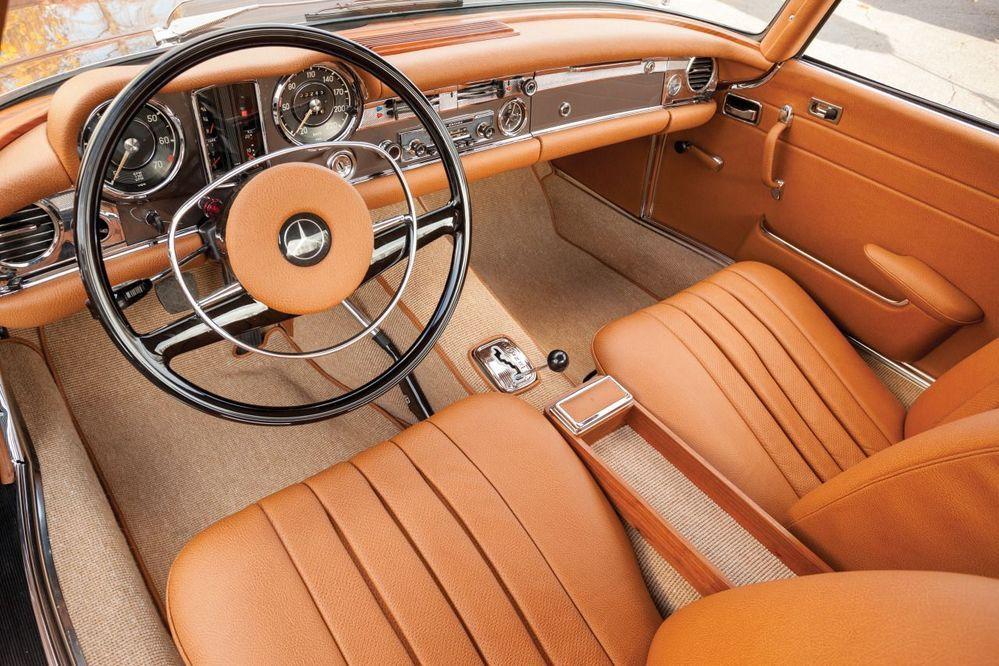 280SL interior