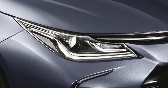 2020 Honda Civic vs 2020 Toyota Corolla Headlights