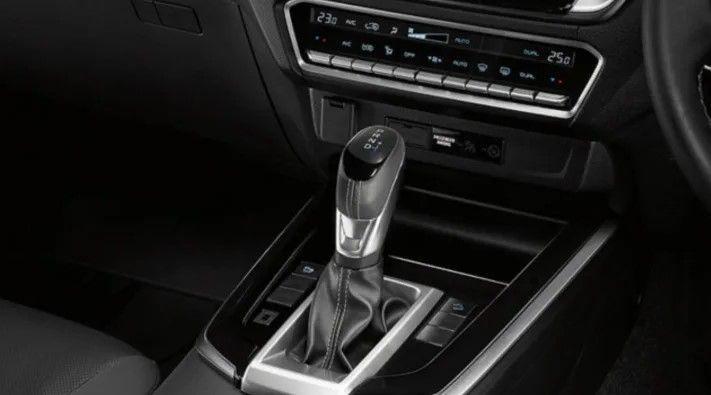 Isuzu D-Max gear shifter