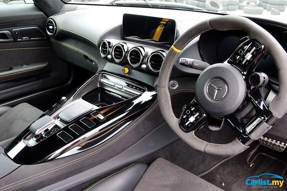 (C190) Mercedes-AMG GTR Dashboard