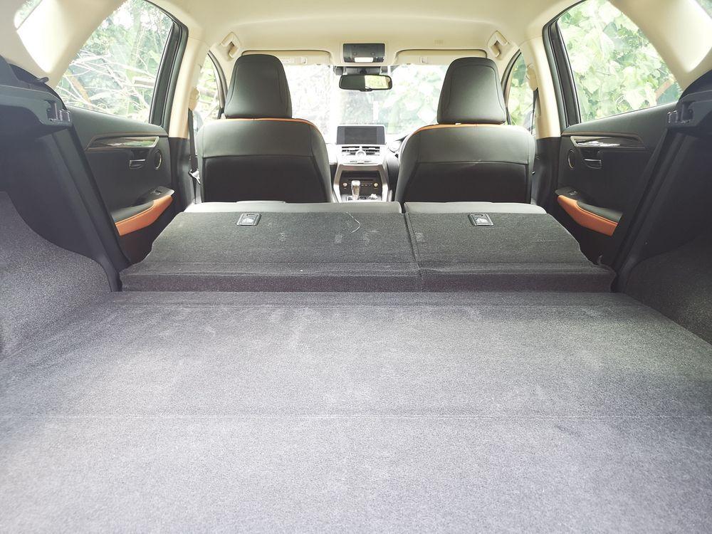 Lexus NX300 Premium 60:40 Split Seats