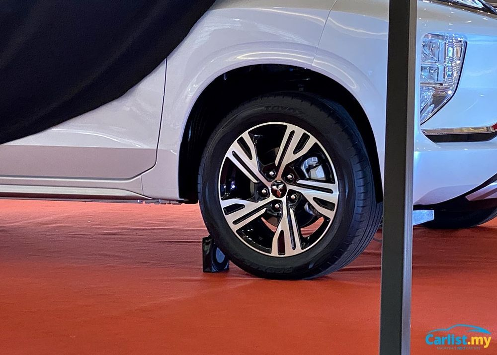 2020 Mitsubishi XPander Teased Wheels