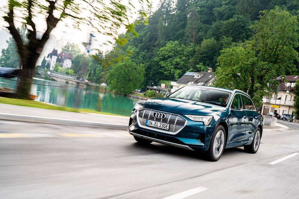 Electric SUV Audi e-tron