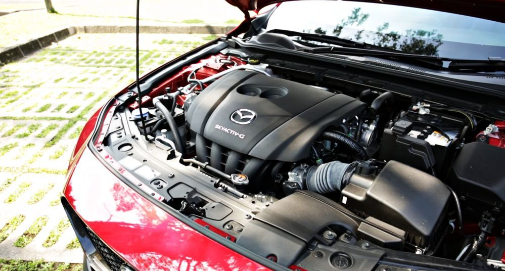 2020 Mazda 3 Liftback - Engine