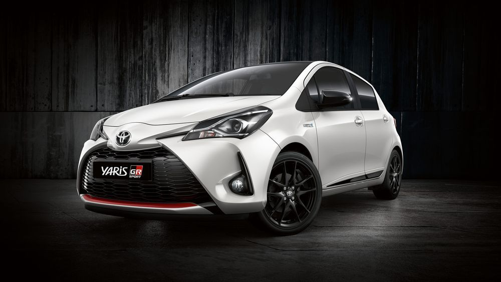2021 Toyota Yaris Europe Front View