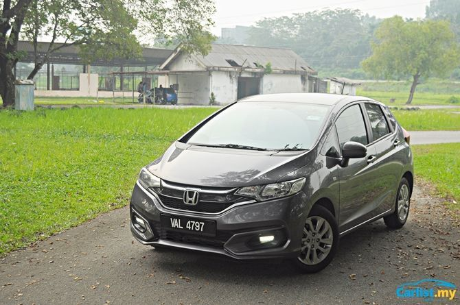 Review Honda Jazz Sport Hybrid There's No Boot Space Front Three Quarter