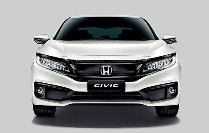 2020 Honda Civic vs 2020 Toyota Corolla Front View