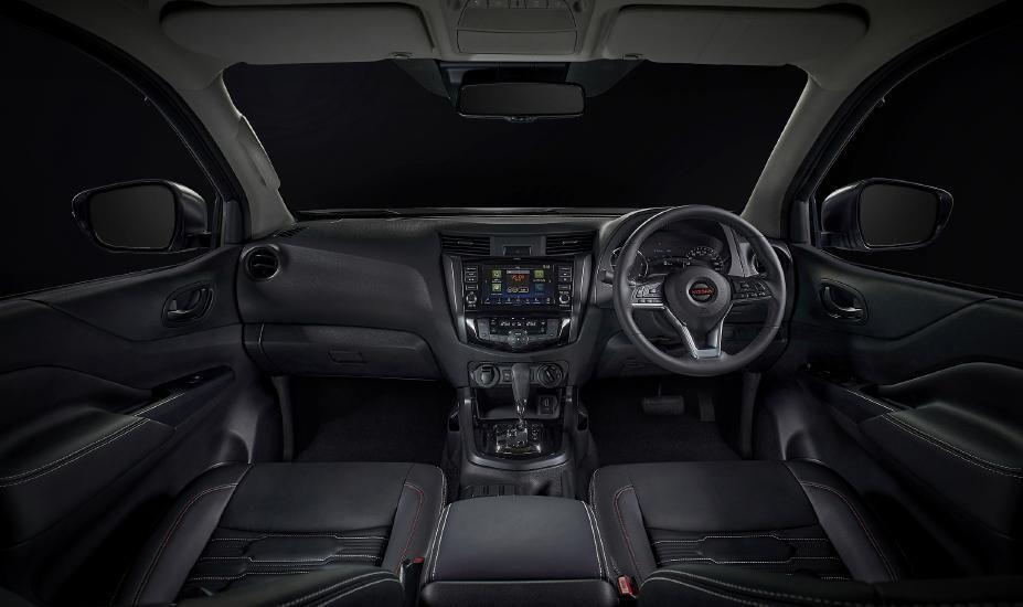 Nissan Navara facelift interior