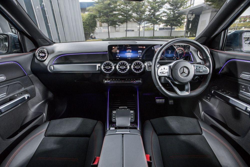 mercedes-benz glb 250 interior