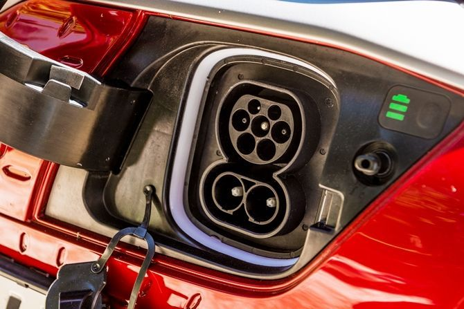 Hyundai Kona Meets COMOS The EV Solution We Need Charging Plug
