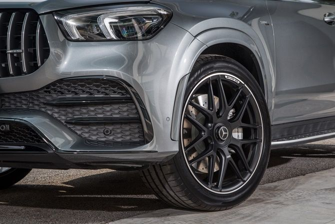 Mercedes Benz Expands Their SUV Range With The GLE Coupe and GLS Wheel