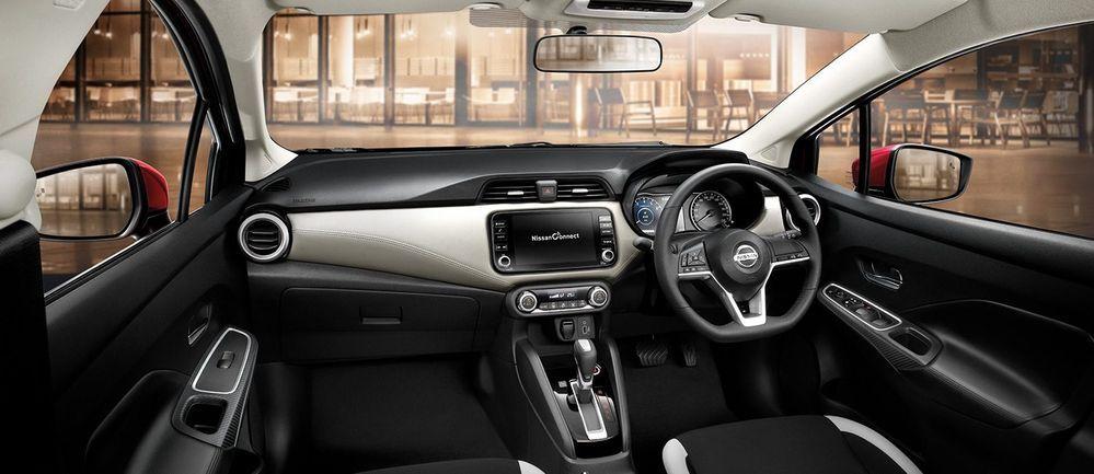 Nissn Almera Turbo interior