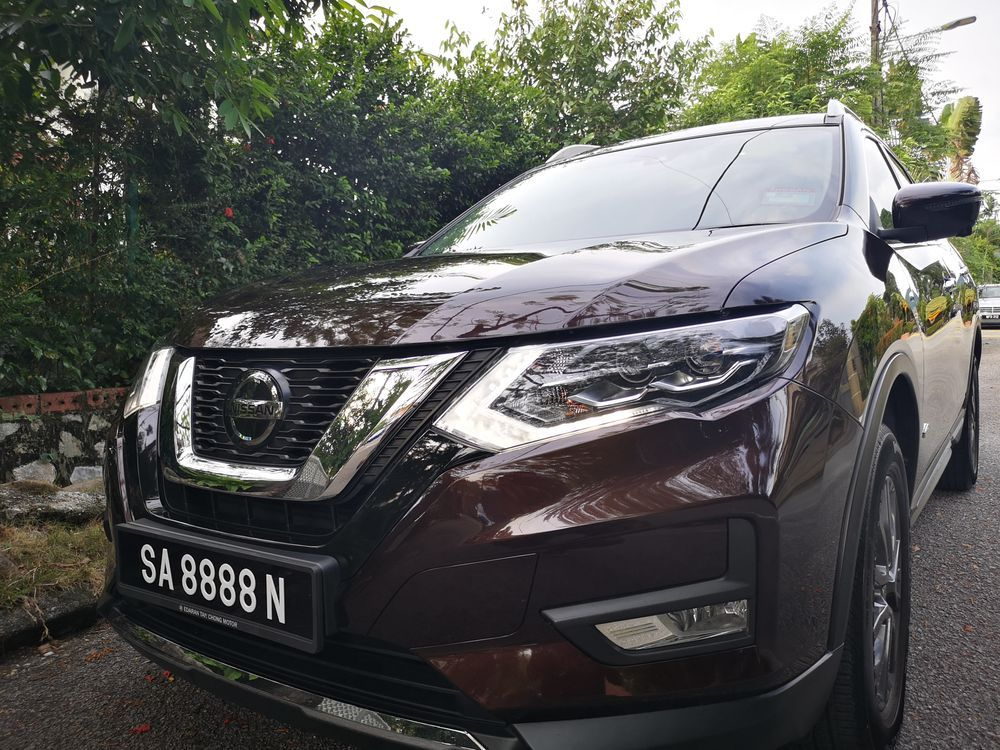 Nissan X-Trail Hybrid 2.0 Front View