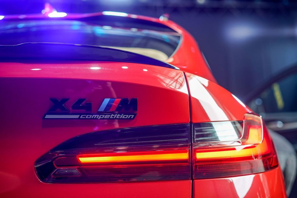 bmw x4m competition taillight