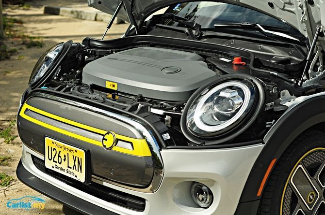 Mini Cooper SE Engine Bay