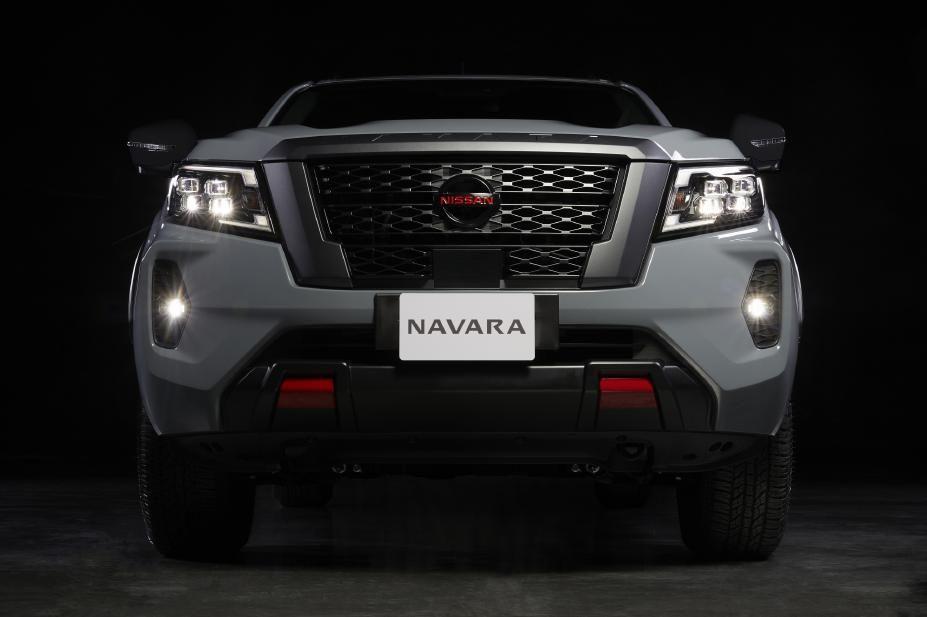 Nissan Navara facelift front end