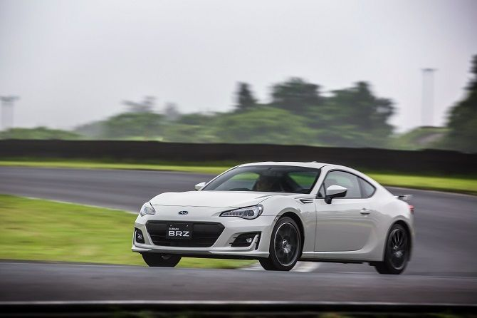 Subaru Stops Taking Orders For The BRZ Because The New One Is Coming Drifting Japan
