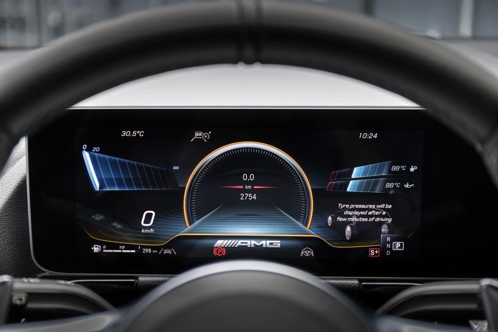 Mercedes-AMG GLA 45 MBUX