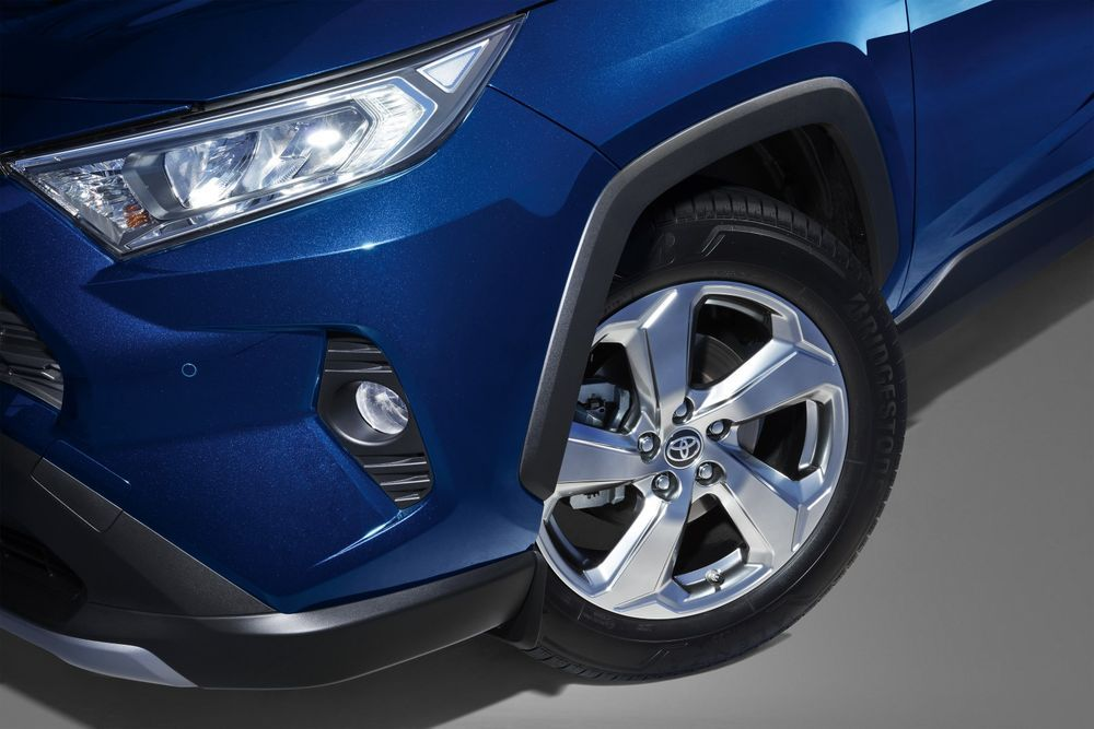 Review: Can These 5 Things Justify the Toyota RAV4's Price Tag? RAV4 rims