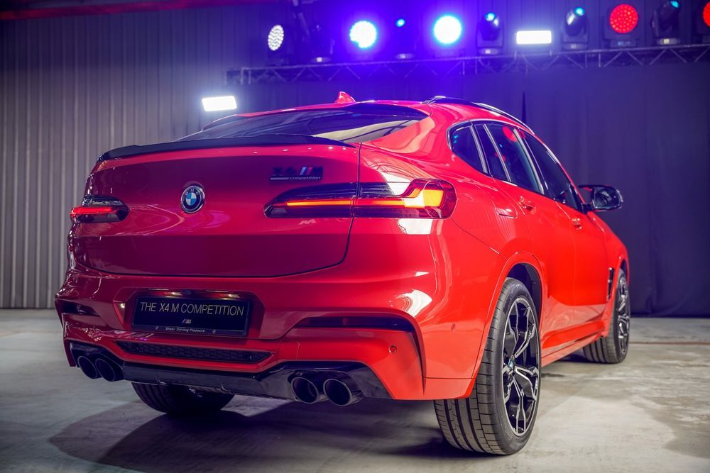 bmw x4m competition rear
