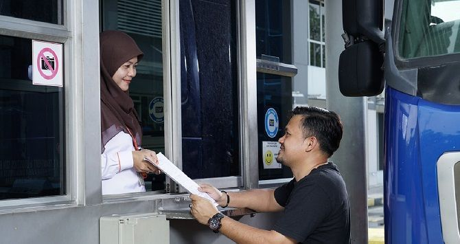 You Can Now Wait Three Years To Renew Road Tax Before PUSPAKOM Inspection Puspakom Counter