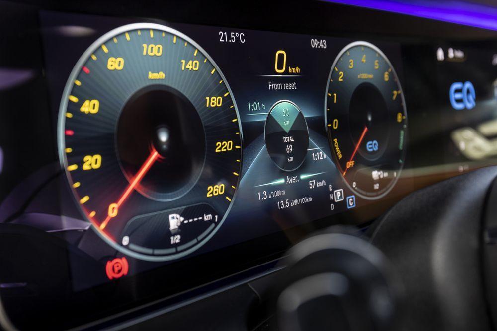 2020 mercedes-benz e-class infotainment