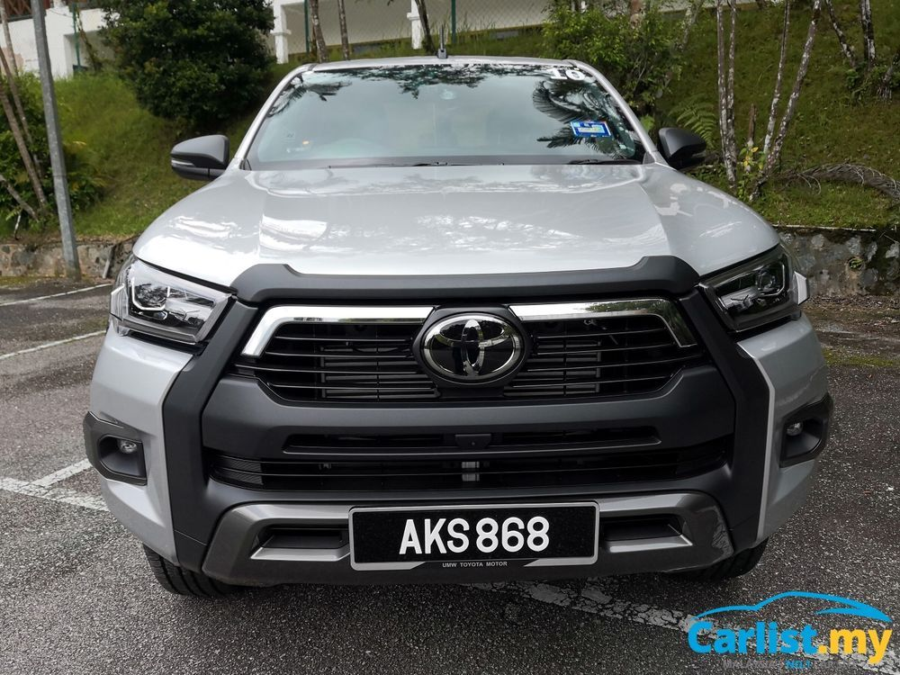 toyota hilux 2.8 rogue review