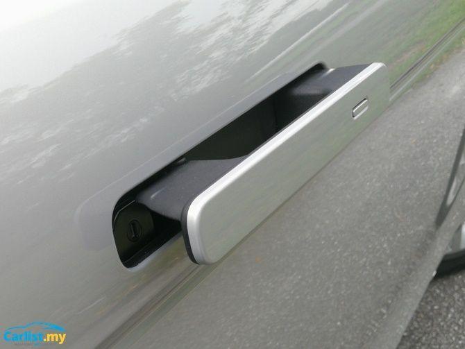 2020 Range Rover Evoque door handle