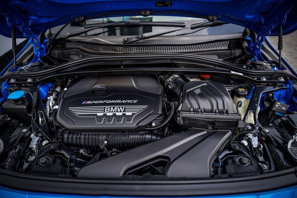 BMW M135i xDrive Engine