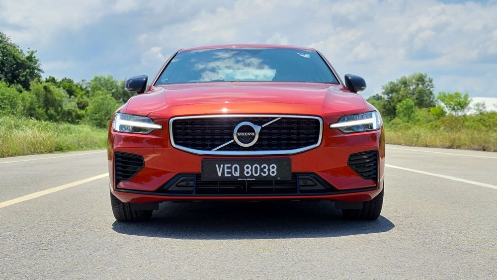 Volvo S60 Grille