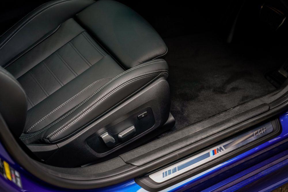 BMW G20 330e M Sport interior