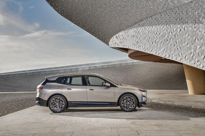 2021 BMW iX Next Side View
