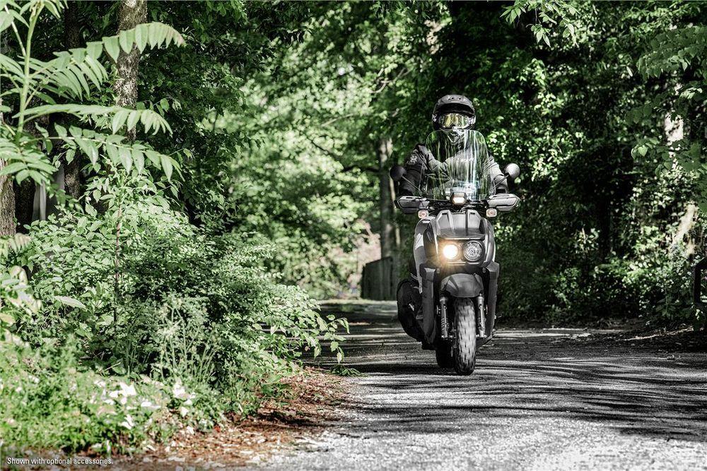 Yamaha Zuma 125 offroad Riding