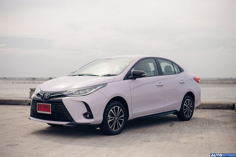 Toyota Yaris Ativ Play