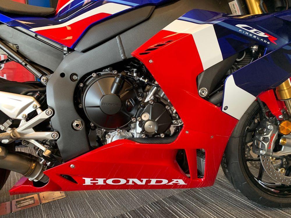 Honda SC82E Engine