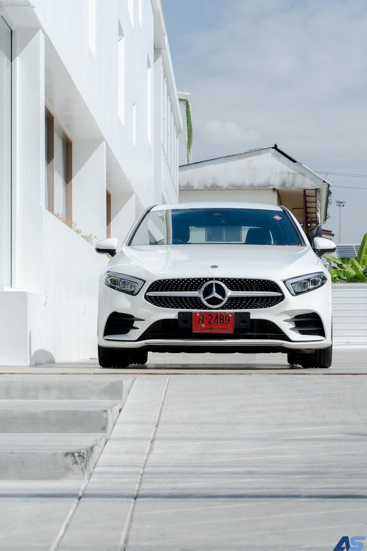 ดีไซน์ภายนอก Mercedes Benz A200 AMG Dynamic