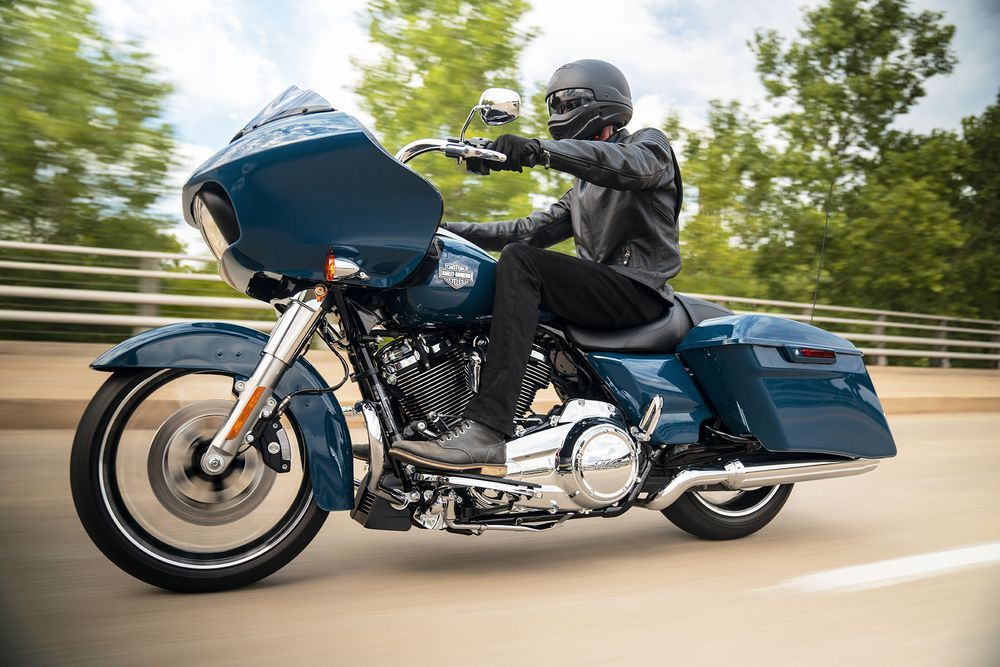 Harley-Davidson Road Glide Special Riding