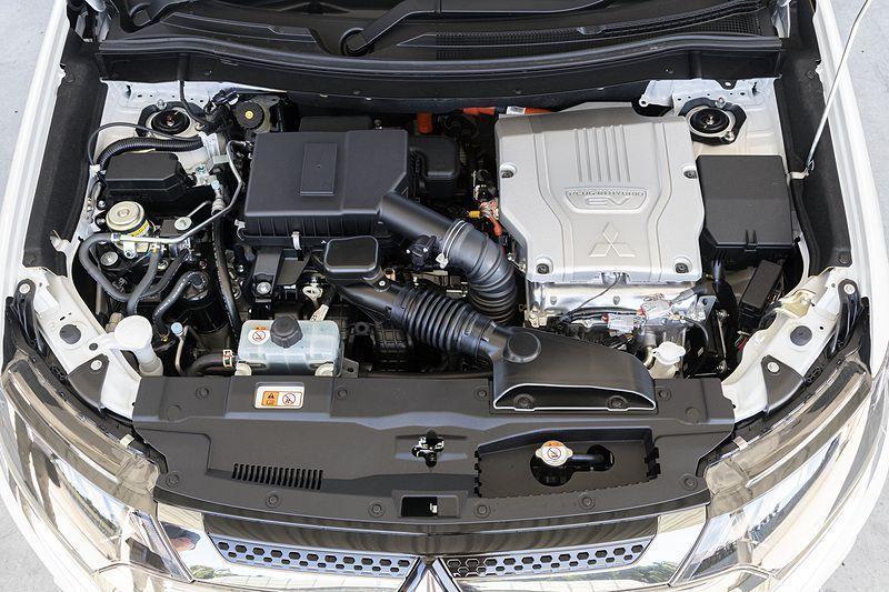 เครื่องยนต์ Mitsubishi Outlander PHEV