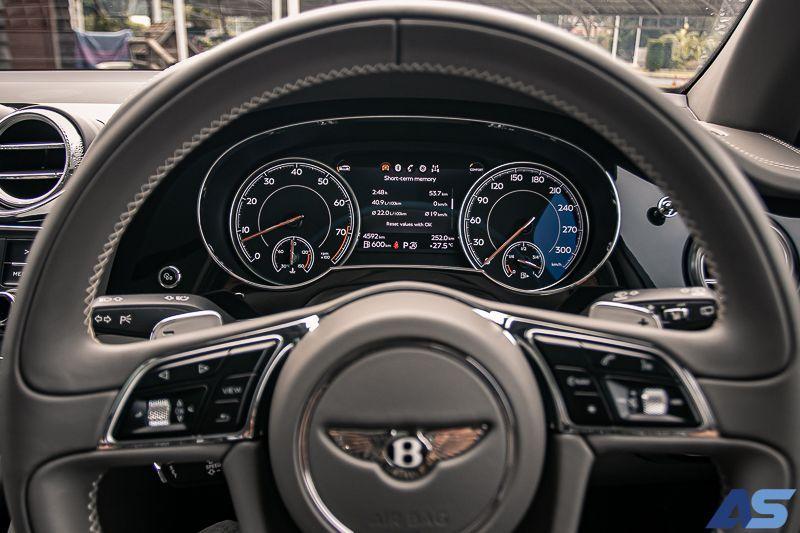 หน้าจอ Bentayga V8