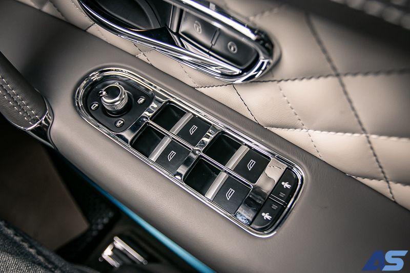 ภายใน Bentayga V8
