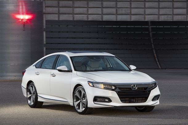 https://img.icarcdn.com/autospinn/body/01___2018_Honda_Accord_Touring.jpg