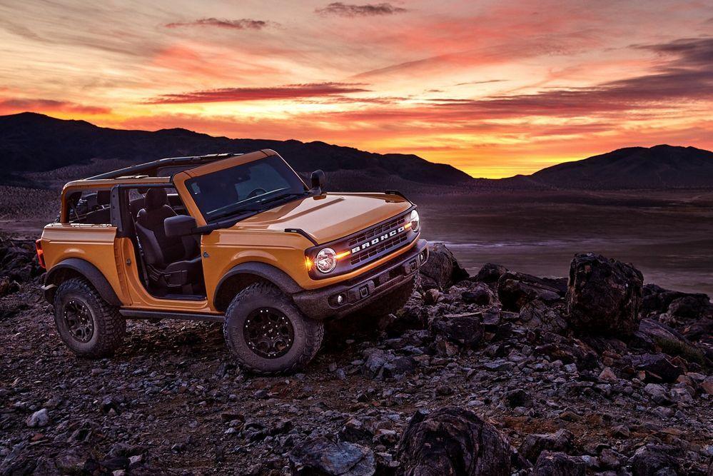 2021 Ford Bronco 2 ประตู