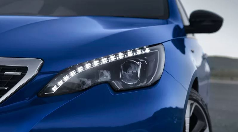 Peugeot 308 ใหม่พร้อมเทคโนโลยีและระบบไฮบริดเต็มคัน