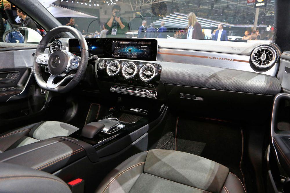 ระบบ MBUX ของ Benz