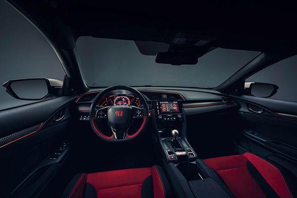 https://img.icarcdn.com/autospinn/body/104498_All_new_Honda_Civic_Type_R_races_into_view_at_Geneva-copy.jpg