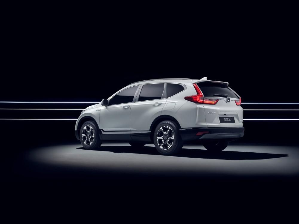https://img.icarcdn.com/autospinn/body/113240_honda_to_unveil_cr_v_hybrid_prototype_at_frankfurt_motor_show.jpg