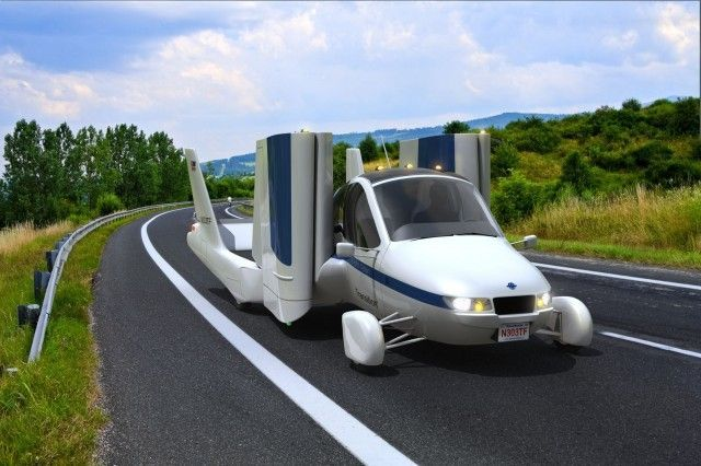 https://img.icarcdn.com/autospinn/body/11bbd981-the-terrafugia-transition-roadable-aircraft_100383867_m.jpg